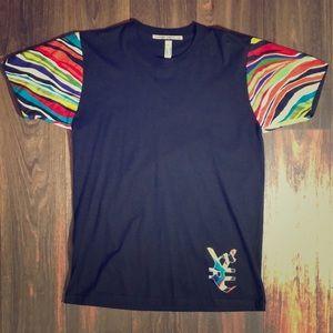 Multi color sleeve T